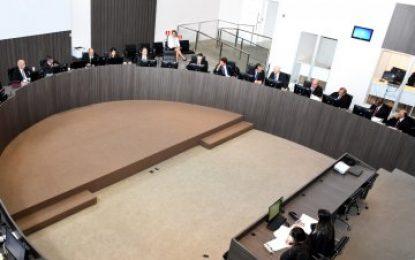 Pleno restabelece as medidas cautelares e revoga a prisão preventiva do radialista Fabiano Gomes