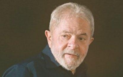 Em reunião com advogados, Lula avalia que facada em Bolsonaro não é determinante