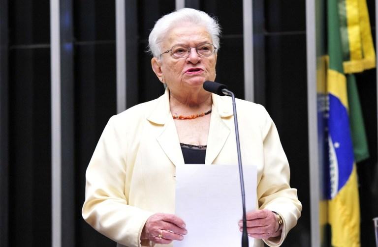 Aos 83 anos, paraibana é reeleita em SP a deputada federal mais velha do Brasil