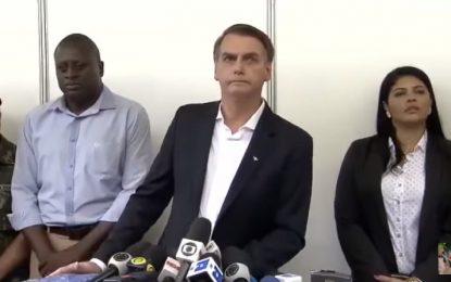 Bolsonaro fala sobre sua cirurgia, Ministério da Educação e Bolsa Família durante coletiva – VEJA VÍDEO