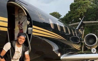 Hulk aproveita João Pessoa e registra fotos com amigos e em avião personalizado