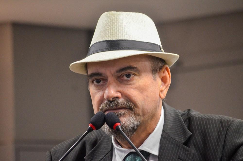 ELEIÇÃO NA ALPB: Jeová Campos anuncia voto em Adriano Galdino e Hervázio Bezerra