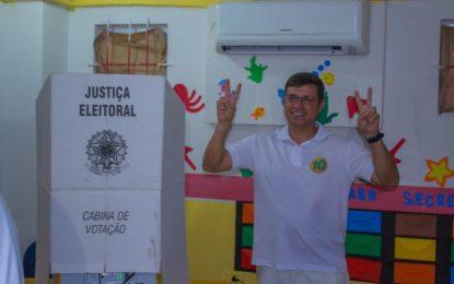 Vitor Hugo é eleito novo prefeito de Cabedelo com mais de 70% dos votos