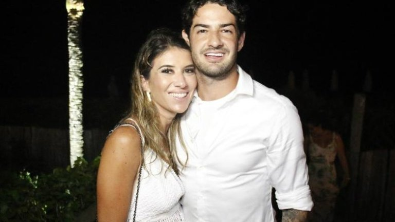 CERIMÔNIA SECRETA: Rebeca Abravanel e Alexandre Pato se casam na mansão de Silvio Santos