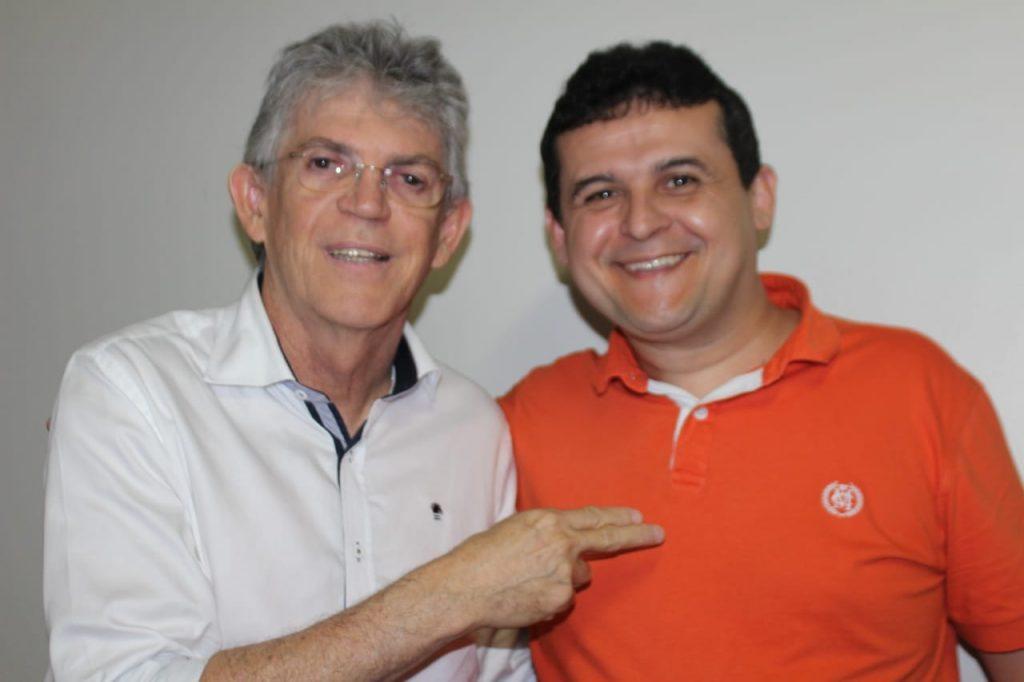 """Girassol """"raiz"""", Célio Alves está com os dias contados no governo de João Azevedo"""