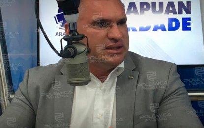 'CABIDE DE EMPREGOS': Julian critica a gestão de Romero e diz que a coisa está muito torta em CG