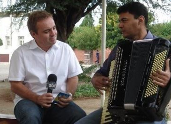 NA PARAÍBA: Em 2007, Gugu esteve em Monteiro para gravar sobre a história da Banda Magníficos
