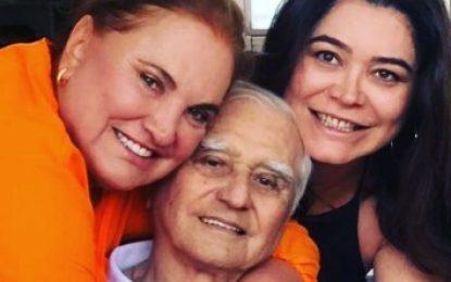 LUTO: Morre o médico Ivanildo Tomé de Arruda, pai da cantora Renata Arruda
