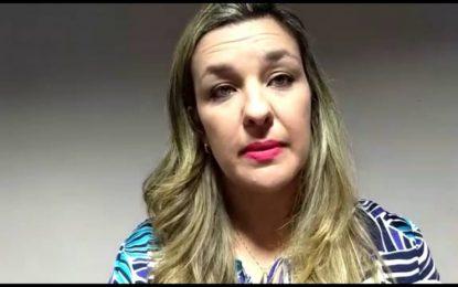 Camila Toscano teria abstido de votar a manutenção da prisão de Estela Bezerra