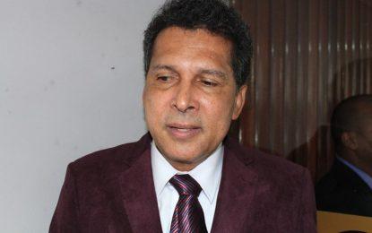 """VÍDEO: Delator da Cruz Vermelha diz que """"escritório de fachada"""" foi usado para Ricardo Barbosa desviar verba de gabinete"""