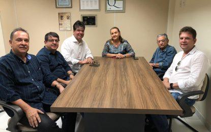 Ruy garante volume recorde de recursos ao Hospital Napoleão Laureano
