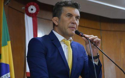 """Vereador Carlão cobra punição para Ricardo Coutinho pelos crimes de corrupção: """"Estamos falando de R$ 135 milhões desviados da Saúde"""""""