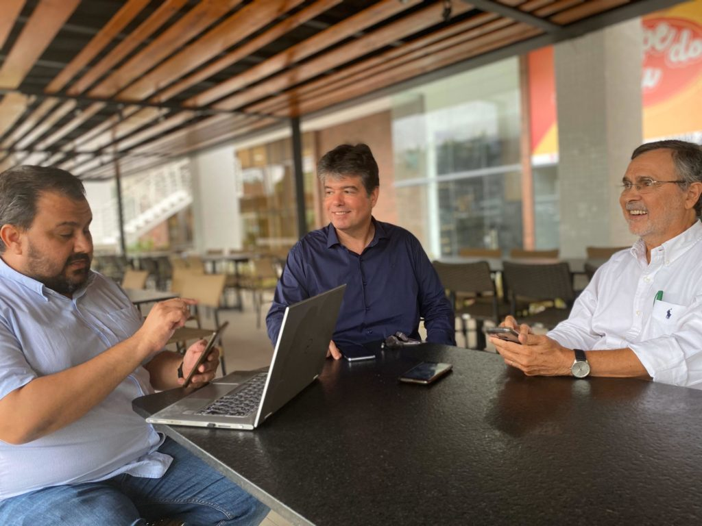 Pré-candidato a prefeito de JP, Ruy Carneiro anuncia economistas na equipe
