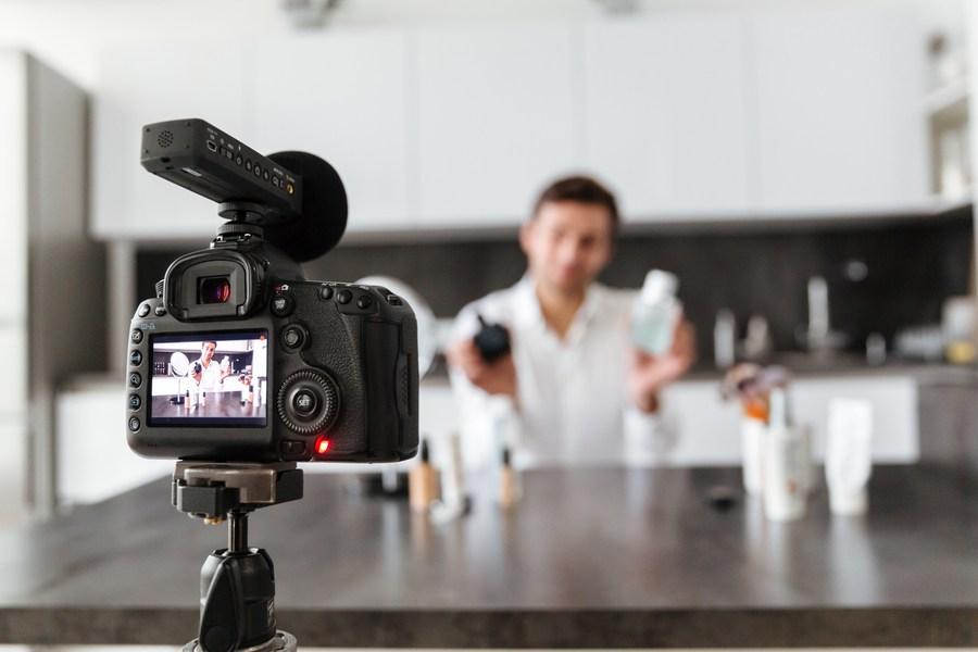 Profissão youtuber: conheça o curso tecnólogo para formação na área