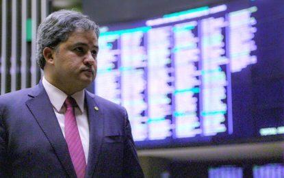 Efraim Filho ressalta a importância de crédito também para o setor rural
