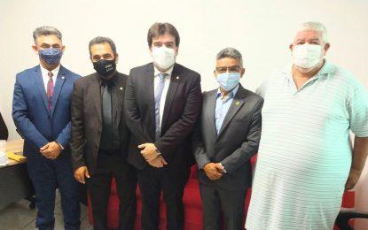 Presidente da Câmara de Bayeux e mais três parlamentares selam acordo com Eduardo Carneiro para 2022