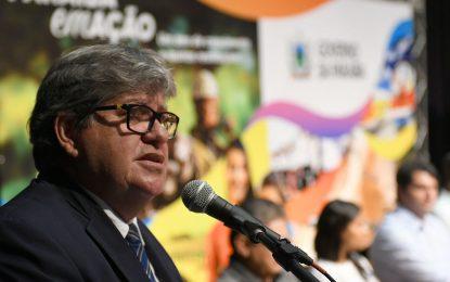 Ser vice de João Azevedo é mais vantajoso que disputar o Senado