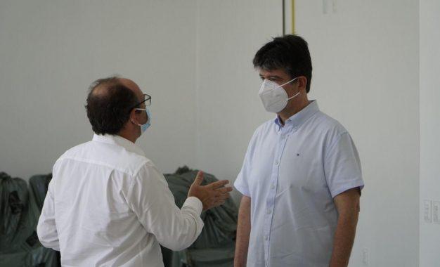 Ruy Carneiro visita nova ala de quimioterapia do Hospital São Vicente de Paulo e comemora ampliação de atendimentos