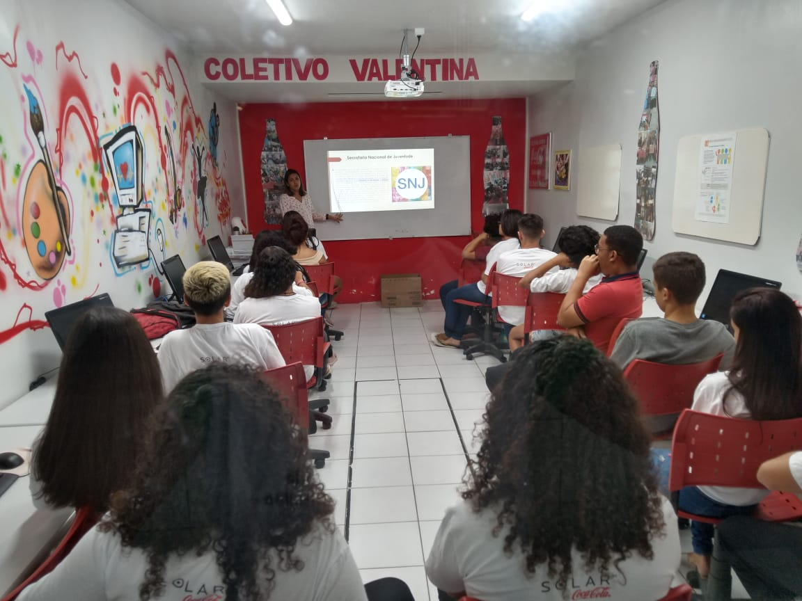 Inscriçoes abertas para programa que conecta jovens ao primeiro emprego