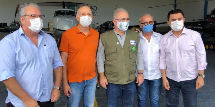 Ao lado de Cícero Lucena, Aguinaldo Ribeiro acompanha agenda do ministro da Saúde, em João Pessoa