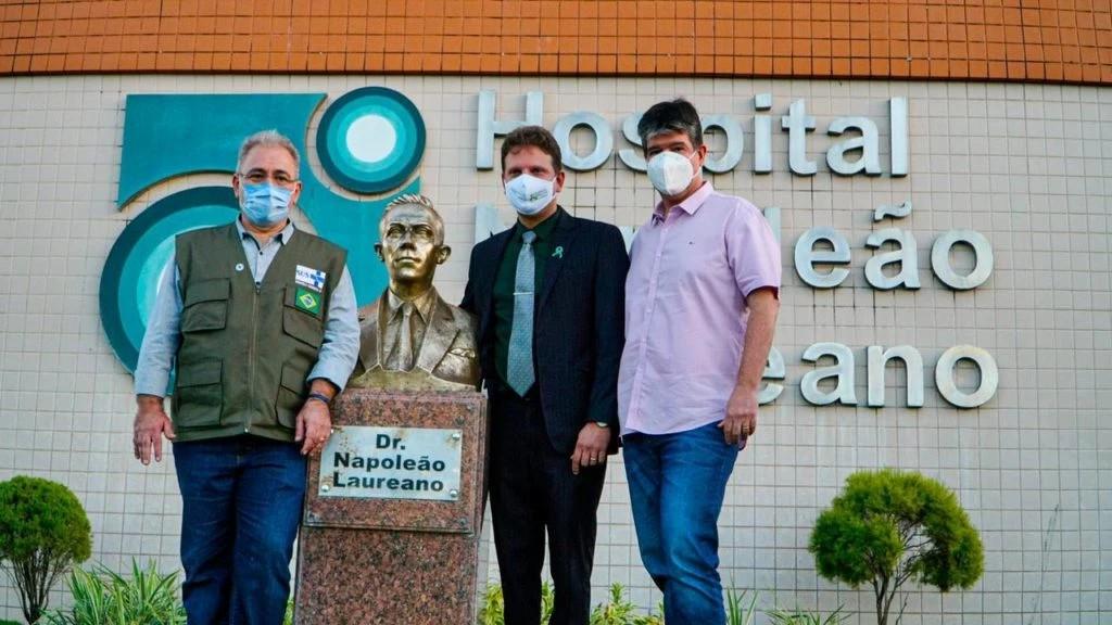 Marcelo Queiroga visita Hospital Napoleão Laureano, confirma compra de novo acelerador linear e destaca trabalho de Ruy Carneiro na luta contra o câncer