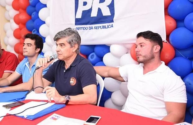 Candidatura de Bruno Roberto é mais uma fantasia delirante do pai, o eterno pré-candidato ao Senado