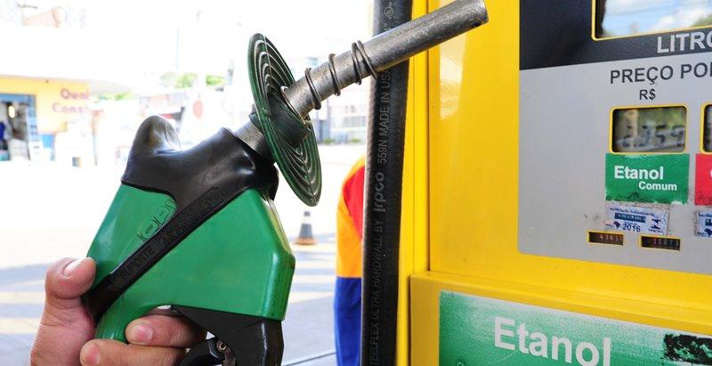 Venda direta de etanol para postos poderá reduzir preço ao consumidor, prevê presidente do Sindipetro da Paraíba