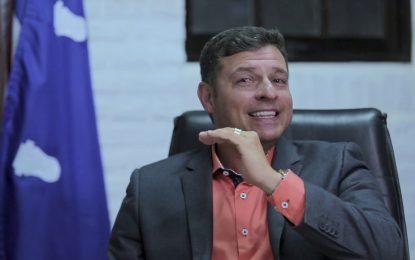 Durante a pandemia e com as escolas fechadas, prefeitura de Cabedelo pagou R$ 27 milhões à empresa terceirizada responsável pela administração da Educação