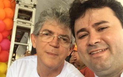 Investigado por desviar dinheiro da Saúde, Aledson Moura se apresenta como opção de renovação à Assembleia Legislativa